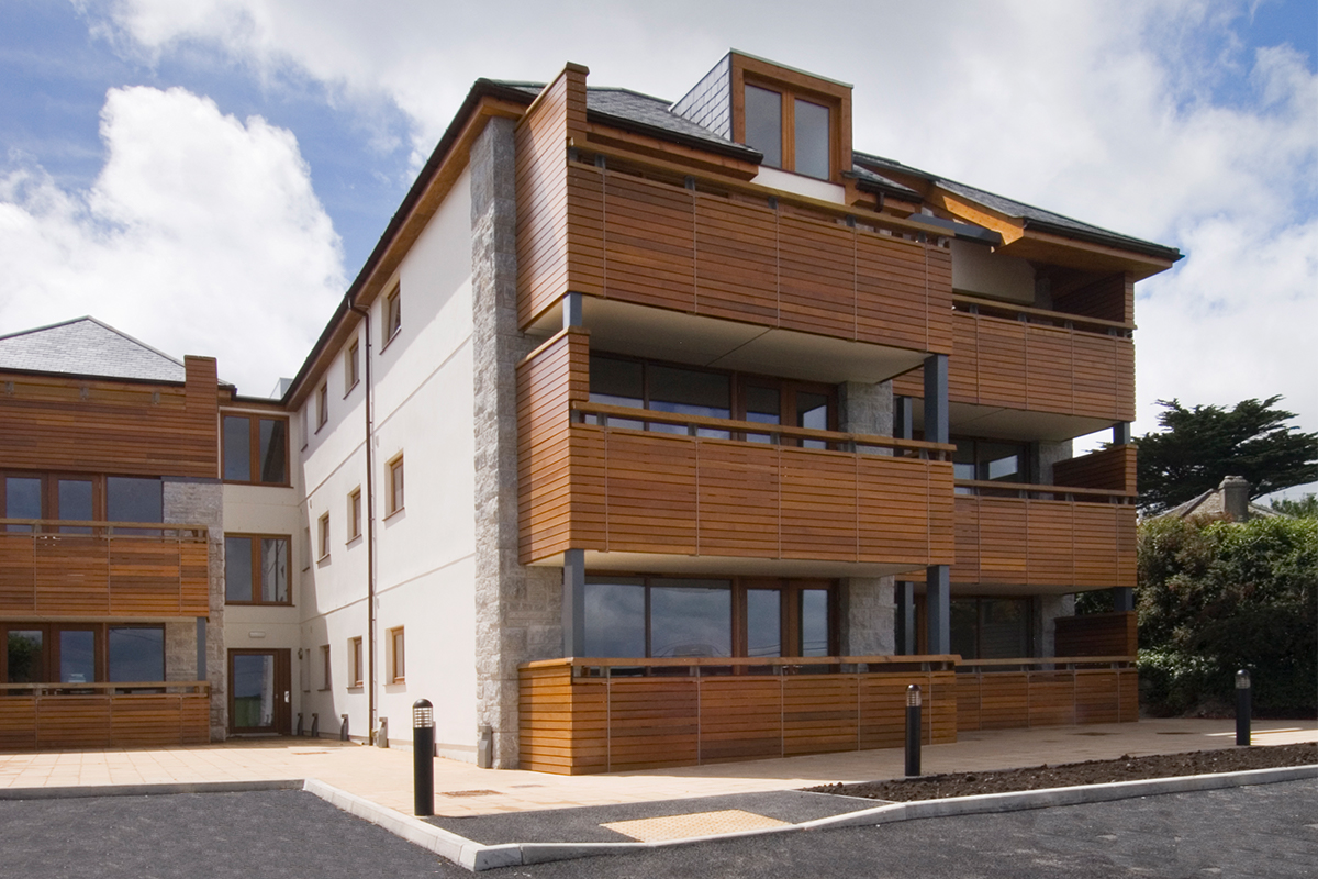 Avor Apartments, Maenporth